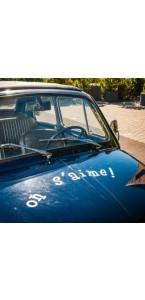 Sticker voiture On s'aime!