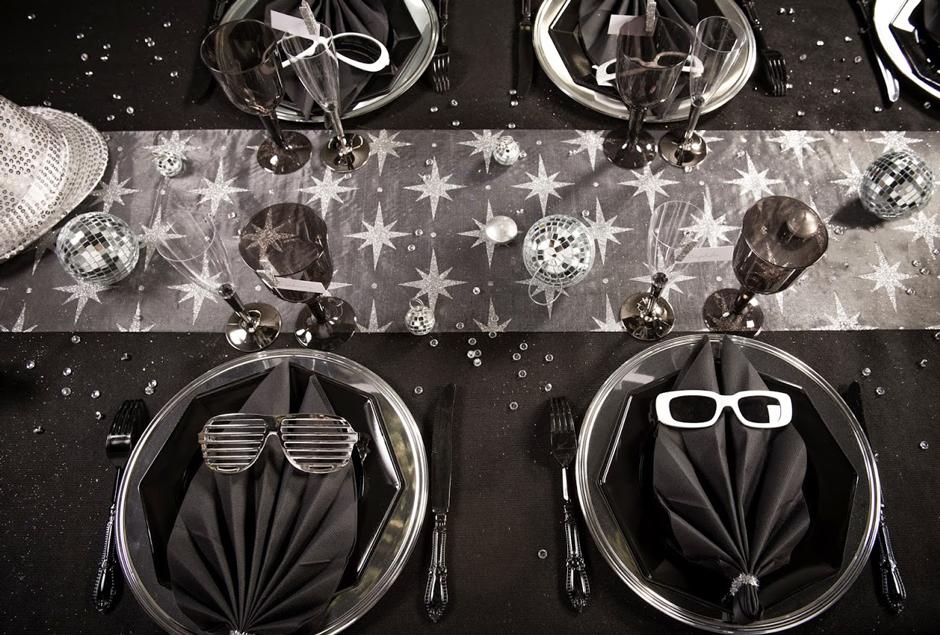 Pour une d coration nouvel an r ussie choisissez la table for Decoration maison nouvel an