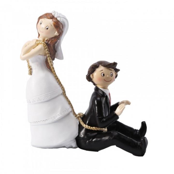 Couple de Mariés enchaînés en résine 14 x 16 cm