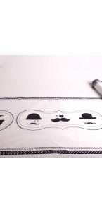 Chemin de table Chapeau/Moustache Noir en organza 30 cm x 5 m