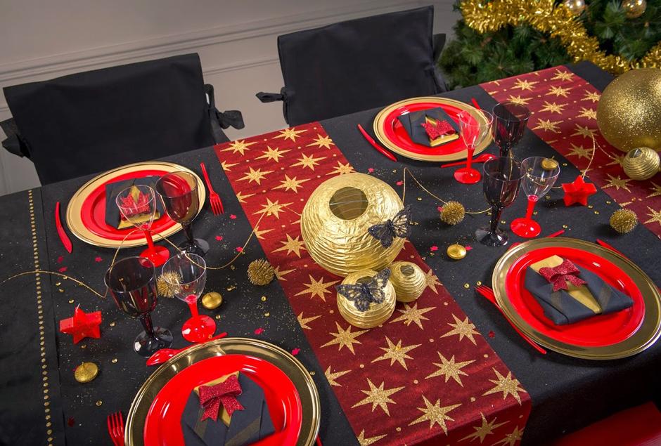 pour no l ou le nouvel an cette table enchantera vos f tes. Black Bedroom Furniture Sets. Home Design Ideas