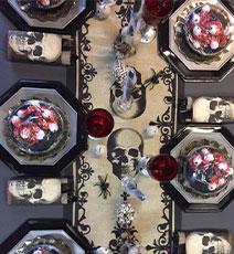 Idée décoration de table Halloween Vaudou